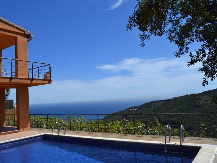 Maisons louer pour les vacances costa brava de 400 - Location begur avec piscine ...