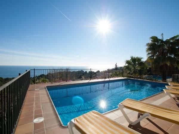 Location maison avec piscine vacances espagne ab villa for Location maison en espagne avec piscine