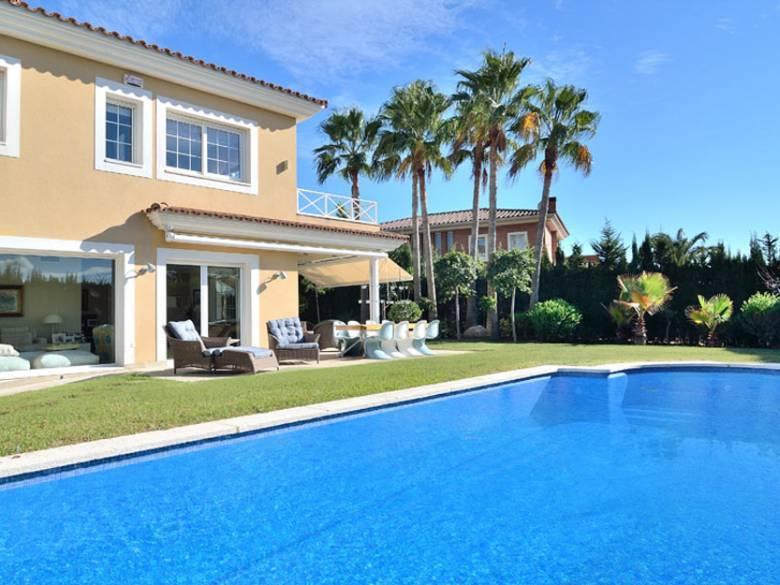 Location vacances costa dorada location villas maisons for Villa de luxe a louer en espagne