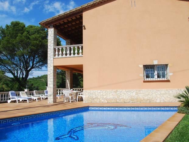 Location maisons avec piscine costa brava de 400 for Location maison avec piscine espagne costa brava