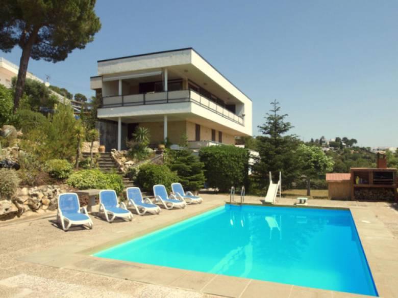 belle maison louer avec piscine pour 10 personnes blanes - Location Maison 10 Personnes Avec Piscine