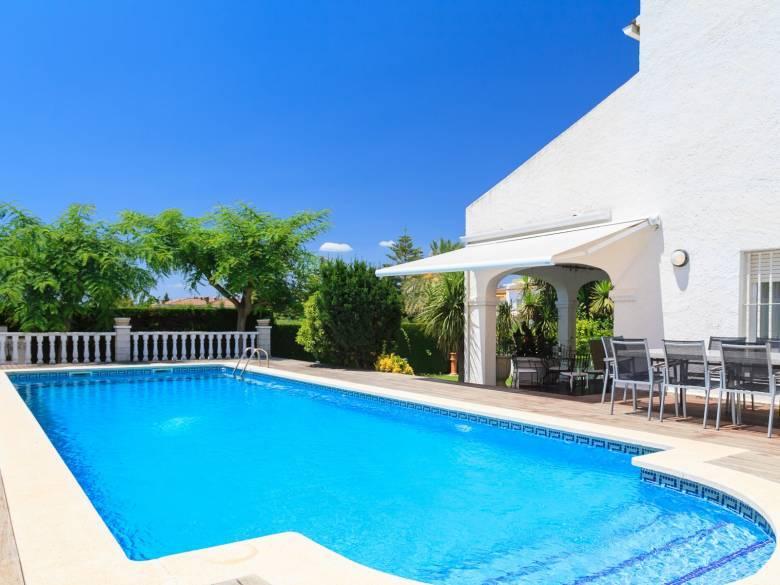 belle villa pour 12 personnes avec piscine louer cambrils
