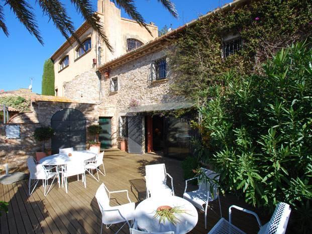 Location costa brava villa maison appartement en bord de - Location villa costa brava avec piscine privee ...