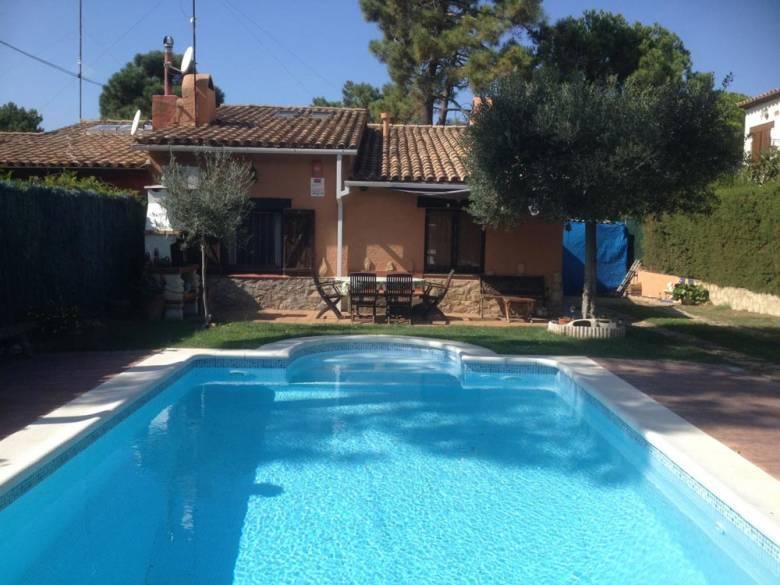 Location maison vacances avec piscine espagne costa brava for Location villa espagne avec piscine privee costa brava