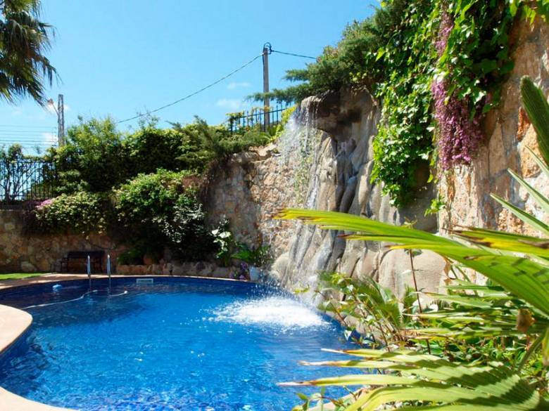 Grande maison avec piscine priv e s curis e begur - Location begur avec piscine ...
