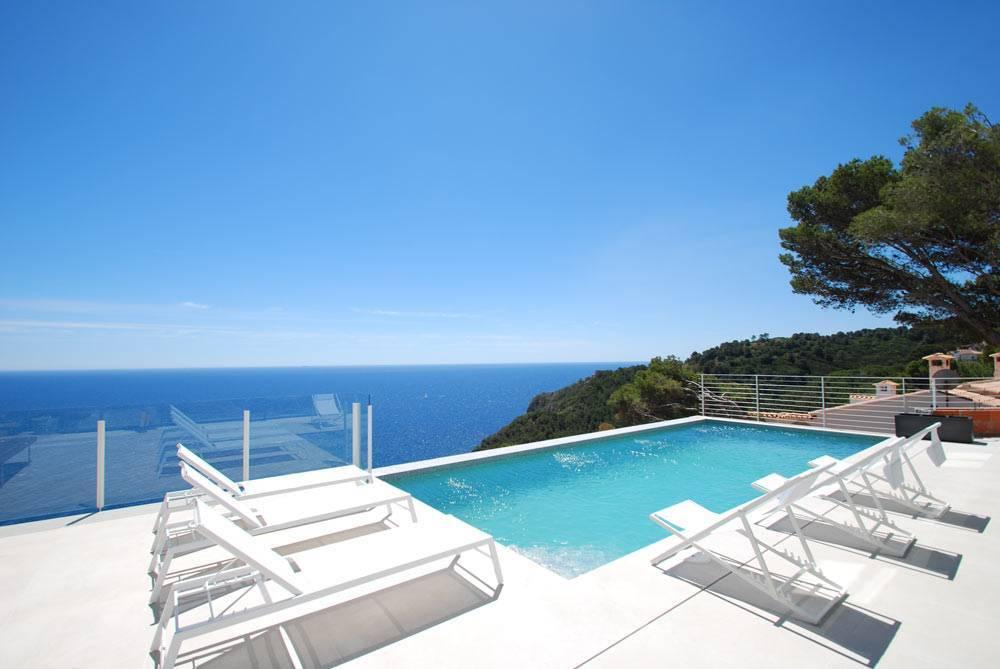 Villa de style minimaliste begur costa brava ab villa - Location costa brava avec piscine ...