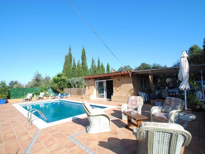 Villa avec piscine priv e pour 8 personnes begur begur for Location villa espagne avec piscine privee costa brava