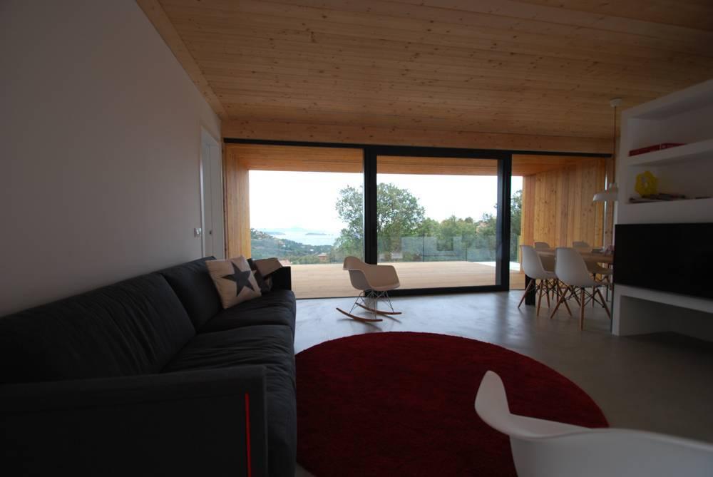 Villa de style minimaliste avec piscine priv e pour 7 - Location villa costa brava avec piscine privee ...