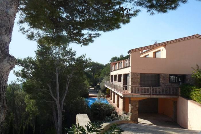 Grande villa avec piscine pour 10 personnes louer - Location costa brava avec piscine ...