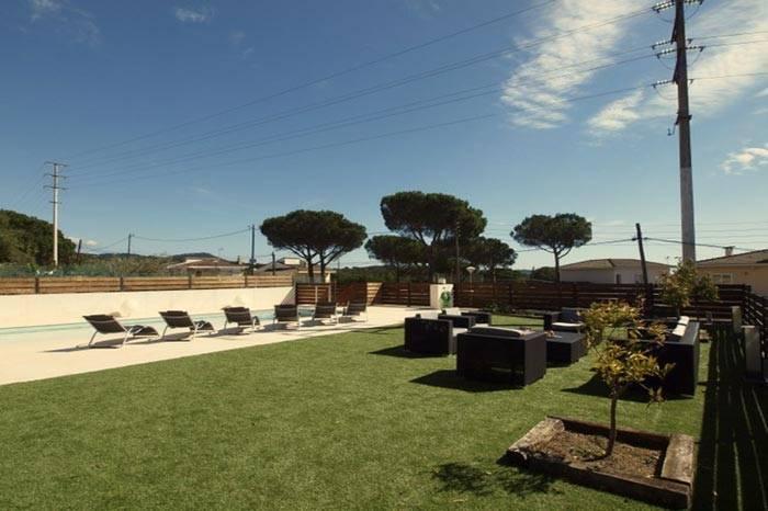 Belle villa avec piscine louer blanes costa brava for Location maison tossa de mar avec piscine