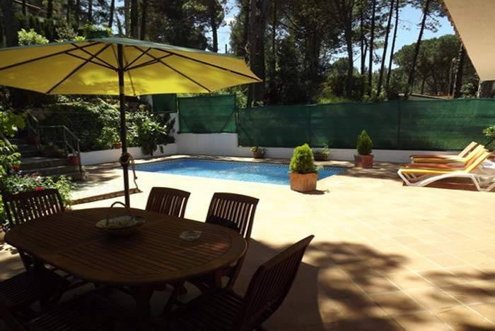 Location maison semi adoss e avec piscine priv e begur - Location villa costa brava avec piscine ...