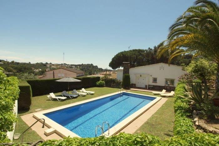 Location villa avec piscine lloret de mar pour 7 8 - Location costa brava avec piscine ...