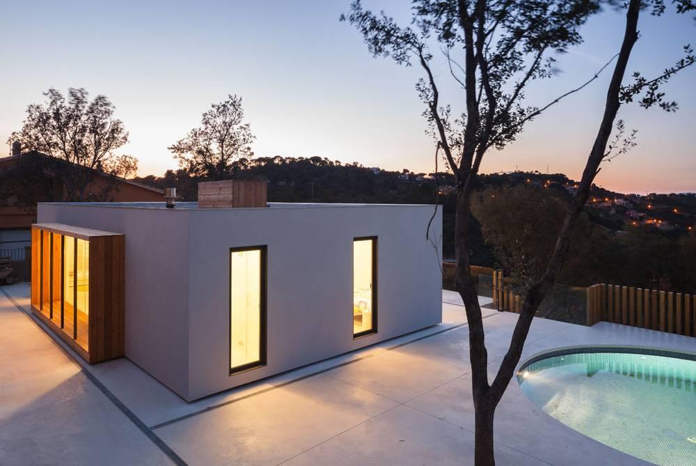 Villa de style minimaliste avec piscine priv e pour 7 for Location villa espagne avec piscine privee costa brava
